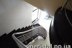 Заречаны ограждения лестницы